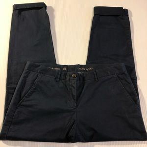 GAP Broken-In Straight Khakis in Navy Blue, Size 6
